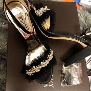 ☀️SALE☀️ Badgley Mischka Heels Sandals